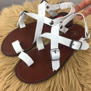 Free People vegan white leather Millie sandals sz6
